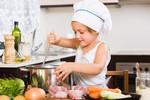 fot. Jak pomóc dziecku z nadwagą. Fotolia